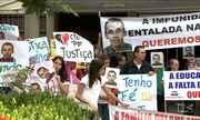 Família de professor morto realiza protesto em Imperatriz