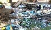 Moradores do Jardim Humberto Salvador reclamam de lixo acumulado em pontos do bairro