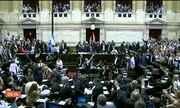 Protesto contra reforma no sistema previdenciário provoca tumulto na Argentina