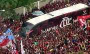 Flamengo embarca para o Peru com apoio da torcida