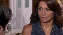 Marta dá um ultimato em Ariclenes e o questiona sobre seus sentimentos