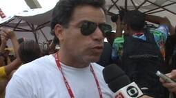 São Clemente canta o samba-enredo e comemora permanência no Grupo Especial do Rio