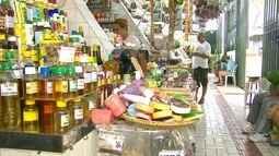 AMAZÔNIA REPÓRTER: a medicina que vem da floresta e comercializada no mercado,em Manaus