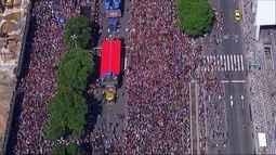 Turistas e cariocas aprovam carnaval de rua do Rio