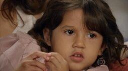 Bella, já com dois anos de idade, é apresentada para Gustavo