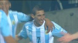 """<p>  <span class=""""msg""""><strong>Di María volta a deixar o time de Martino em uma vantagem confortável. </strong>Diante da pressão da marcação paraguaia, Argentina sai em contra-ataque rápido até Pastore deixar o meia-atacante do United na cara do gol. Ele dá um toque no canto direito de Villar, que não consegue evitar.<strong><br />  </strong></span></p>"""