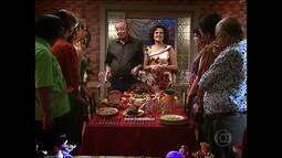 Comer Juntos - No Natal, os Silva se reúnem com os amigos