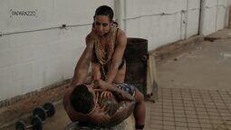 Paparazzo: ensaio sensual com Tony Salles e Scheila Carvalho