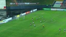 Marcinho chuta e Felipe espalma! Primeiro chute a gol do Botafogo, aos 42 do 2º tempo