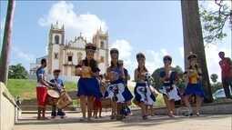 Turistas visitam Olinda para aprender ritmos pernambucanos