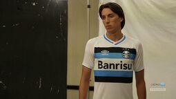 Azul, Preto e Branco - Lançamento dos novos uniformes do clube