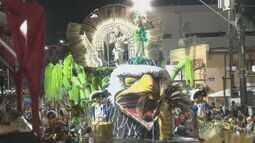 Seis escolas desfilam e disputam título de campeã do Carnaval em Poços de Caldas (MG)