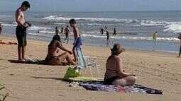 Corpo de Bombeiros recomenda que turistas tenham cuidado com o mar de Pontal do Ipiranga