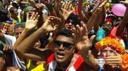 Em Nova Lima, a tradição é se sujar para curtir o carnaval