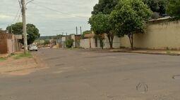 Após barricada de pneus, buraco é tapado em Campo Grande
