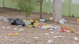 Depois do carnaval, foliões deixam sujeira e até fantasias nas ruas em Campo Grande