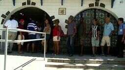 Após a folia, agências bancárias de Três Rios, RJ, ficam lotadas