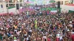 Quadra da Mangueira, campeã do Carnaval, fica lotada