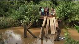 Moradores ainda esperam construção de ponte sobre córrego, em Porangatu