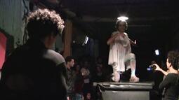 'Peça-festa' em Brasília faz releitura de 'Noite na taverna', de Álvares de Azevedo