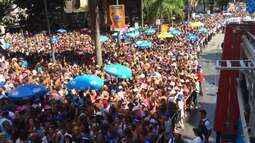 Expectativa é que 400 mil pessoas sigam o desfile do Monobloco