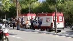 Em Ipatinga, motociclista morre após perder controle e bater em árvore