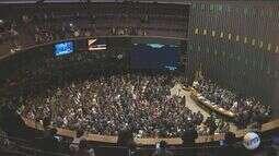 Processo de impeachment da presidente Dilma segue em votação no Senado