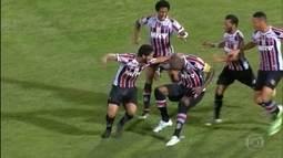 Santa Cruz vence o Campinense no primeiro jogo da final da Copa do Nordeste