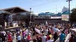 Centenas de trabalhadores acompanham tradicional missa em Contagem
