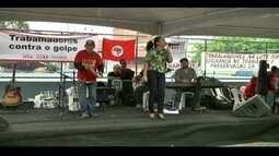 Sindicalistas fazem manifestação no Dia do Trabalhador em Campos dos Goytacazes, no RJ