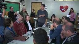 Secretaria da Educação, deputados estaduais e estudantes tentam entrar em acordo