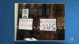 Estudantes e artistas ocupam prédio do Ministério da Saúde em Salvador