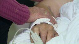 Faltam leitos de UTI em hospital Toledo e pacientes esperam vaga em salas improvisadas