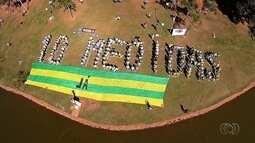 Grupo Vem Pra Rua e Ministério Público realizam protesto contra corrupção, em Goiânia