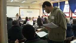 Candidatos consideram segundo dia de provas na UEM o mais difícil do vestibular