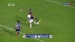 Vasco vence Bragantino e segue na liderança da Série B