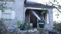 Incêndio em casa mobiliza Corpo de Bombeiros em Lins