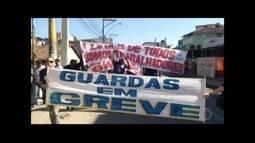 Guardas municipais e petroleiros fazem manifestações em pontos distintos de Macaé