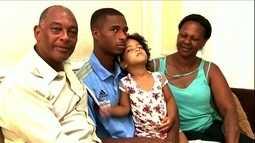 Matheus Sales comemora boa fase no futebol para ajudar a família financeiramente