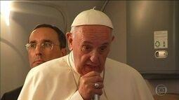 Papa Francisco fala sobre terrorismo e temas polêmicos na volta da Polônia