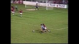 """""""É Gol!!! na memória"""": relembre confrontos entre Grêmio e Atlético-PR"""