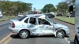 Motorista fica ferida após batida com caminhão-baú na BR-153 em Rio Preto
