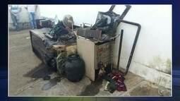Casa pega fogo e fica destruída em Avaré; vazamento de gás é hipótese