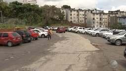 Pacientes ainda enfrentam a longa distância entre ponto e o Hospital Roberto Santos