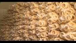 São Tiago preserva tradição do café com biscoito