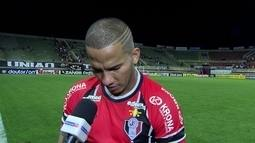 """""""Temos que buscar forças pra tirar o time dessa situação"""" diz Jael, atacante do Joinville"""