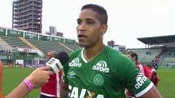 """Cleber Santana após o empate com a Ponte Preta: """"É o Brasileiro, é dificuldade"""""""
