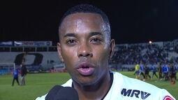"""""""Fomos o time que mais buscou o gol"""", diz Robinho após classificação"""