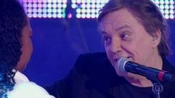 Fábio Jr. atende pedido de fã e canta no palco do Caldeirão