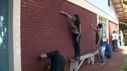 Estudantes fazem ação de voluntariado no Lar dos velhinhos